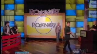Pictionary With The Jonas Brothers And Jane Lynch Nov 28 2012