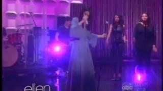 Selena Gomez Performance Apr 16 2013