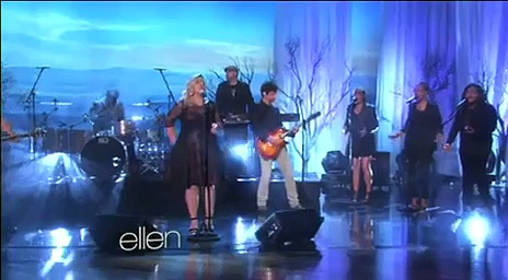 Kelly Clarkson Performance June 04 2015