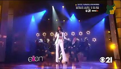 Selena Gomez Performance Oct 09 2015