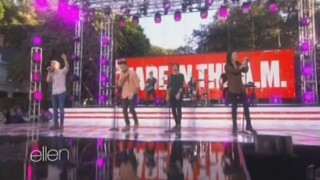 One Direction Performance 2 Nov 18 2015