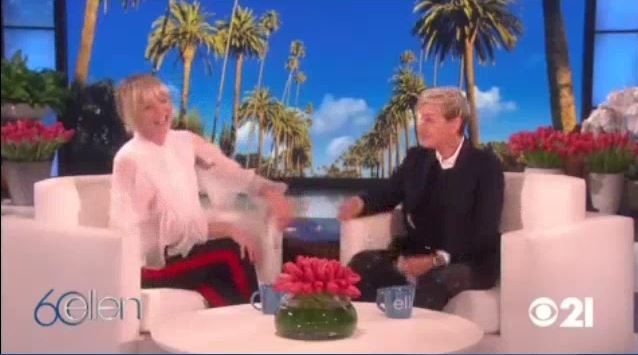Portia Gives Ellen The Best Gift Ever Feb 01 2018